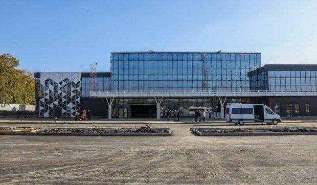 У столицю і теплі країни: Запорізький аеропорт відкрив нові рейси, куди полетимо