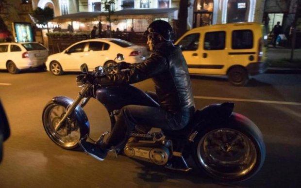 Кличко на мотоциклі розколов соцмережі