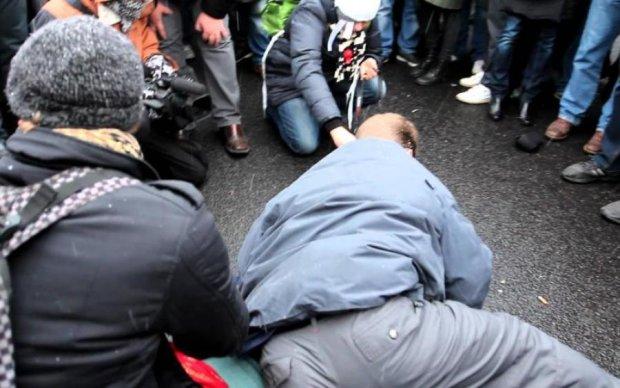 """В Крыму опасно: мужчину жестоко избили за то, что он """"укроп и фашист"""""""