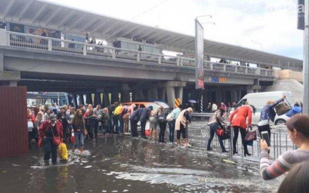 Компенсация за затопленное авто: юрист рассказал, как действовать