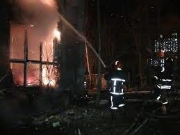 Страшна пожежа охопила будинок на Львівщині, дива не сталося: медики відвезли обвуглене тіло