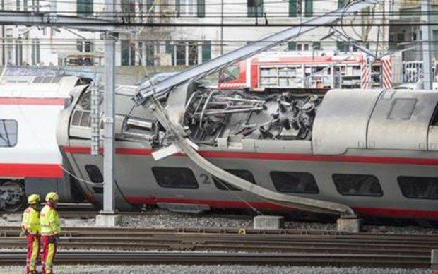 В Швейцарии сошел с рельсов вагон скоростного поезда