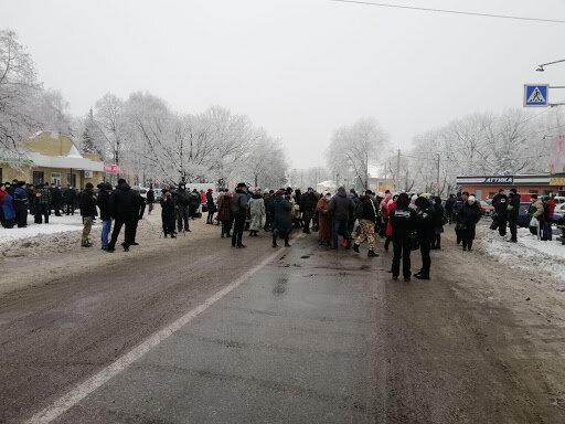 Харків'яни ризикують залишитися без житла і супермаркетів - на всіх не вистачить