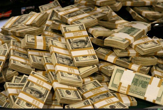 Мужчина отдал 490 долларов, а взамен получил 7 миллионов. Он случайно купил сейф, внутри которого находилось целое состояние