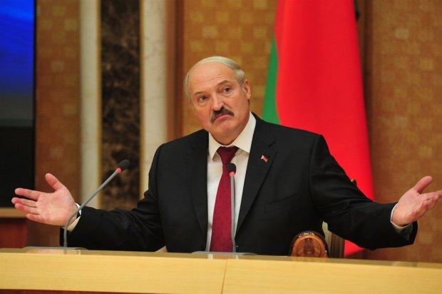 Лукашенко назвал происходящее в Украине дурью