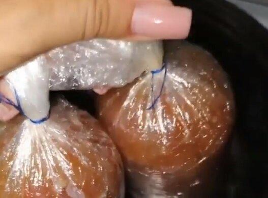 Домашня ковбаса, скріншот відео