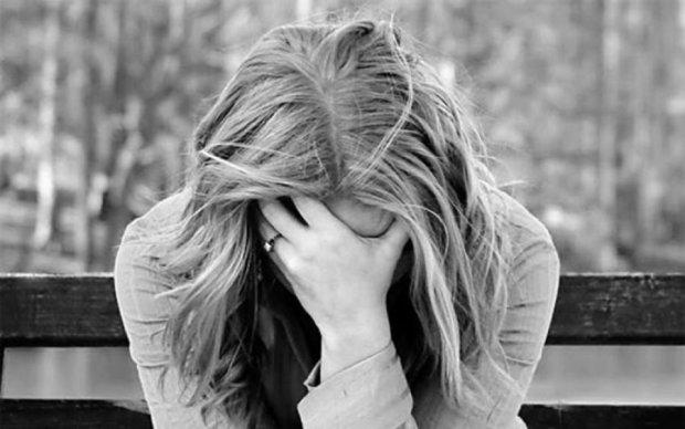 Моторошна трагедія під Києвом: школярку знайшли у петлі