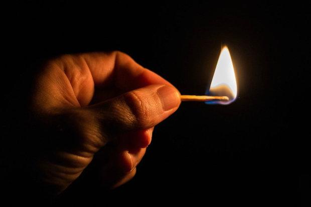 День, когда вспыхнул огонь: почти 200 лет назад английский фармацевт продал первые спички