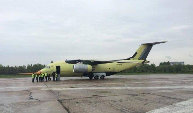 Азербайджан купить 10 нових літаків Ан-178