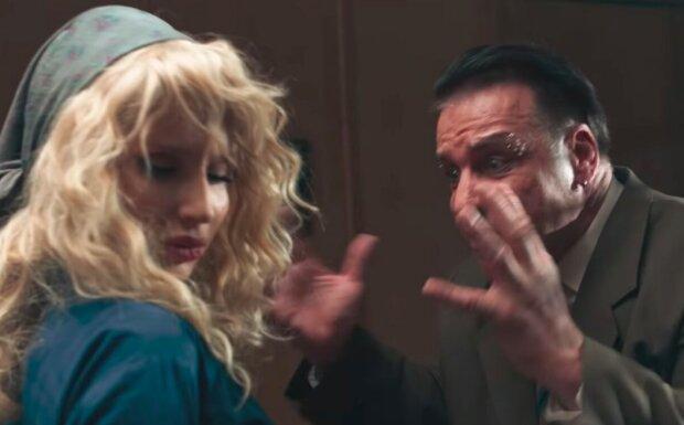 """Лобода показала откровенное фото с Линдеманном, стала на колени: """"Как из фильма для взрослых"""""""