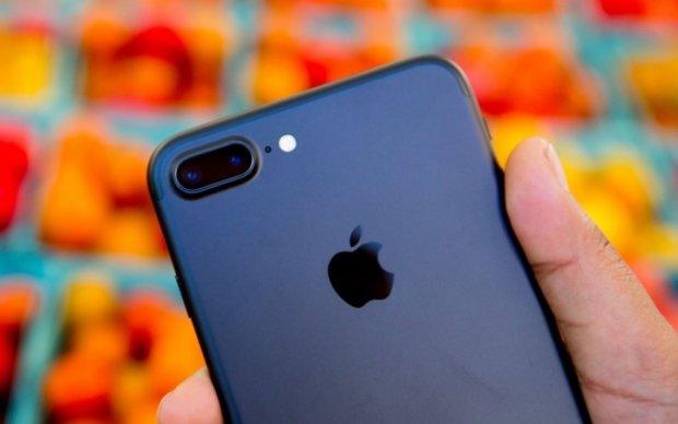 Еще один iPhone 7 загорелся рядом со спящим владельцем