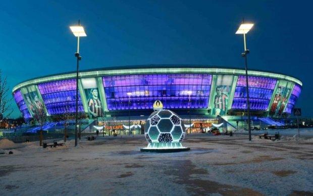 У мережі показали різницю між Донбас-Ареною та харківським стадіоном