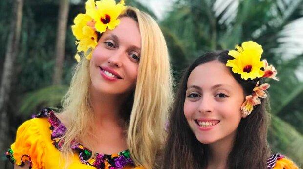 Полякова з донькою Машею показали ідеальні фігури в однакових бікіні: нереальні красуні