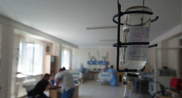 Под Харьковом семью госпитализировали с отравлением: подозревают самых близких