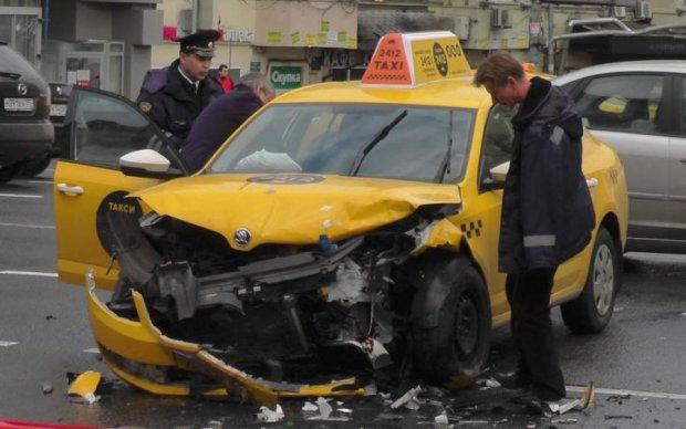 Авто популярного таксі спровокувало масштабне ДТП