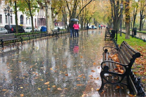 Львів'яни, ховайтеся під парасольки: стихія підмочить репутацію 10 жовтня