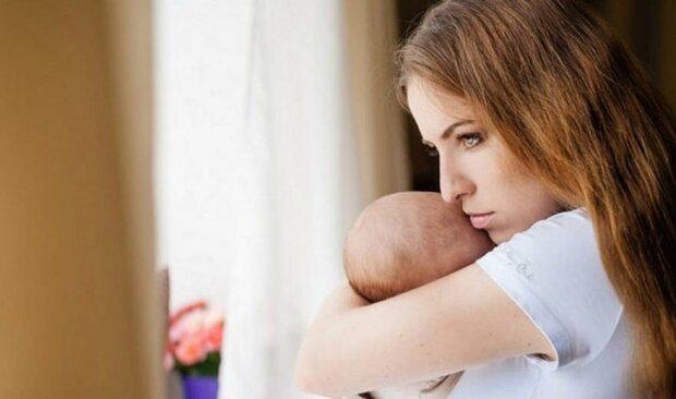 Помощь матерям-одиночкам: в Минсоцполитики объяснили новые условия
