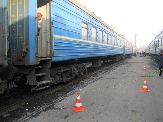 На Харківщині сталася фатальна трагедія на залізничних коліях: рух поїздів надовго зупинили