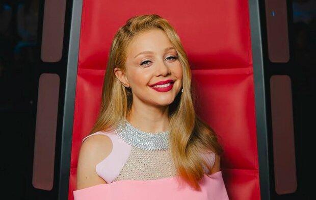 """Кароль підкорила """"M1 Music Awards"""" неймовірною красою і стрункою фігурою: """"І пристрасно, і ніжно"""""""