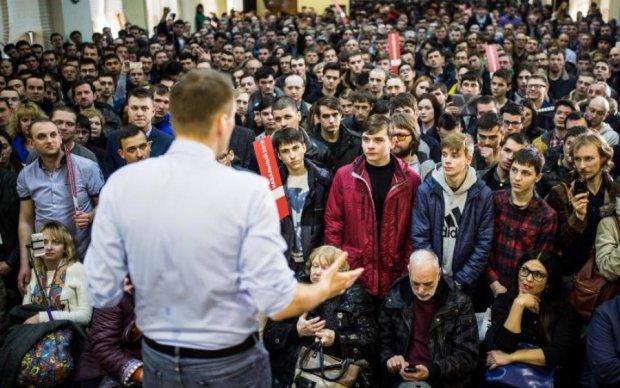 Кремль решил замерить отношение россиян к Навальному