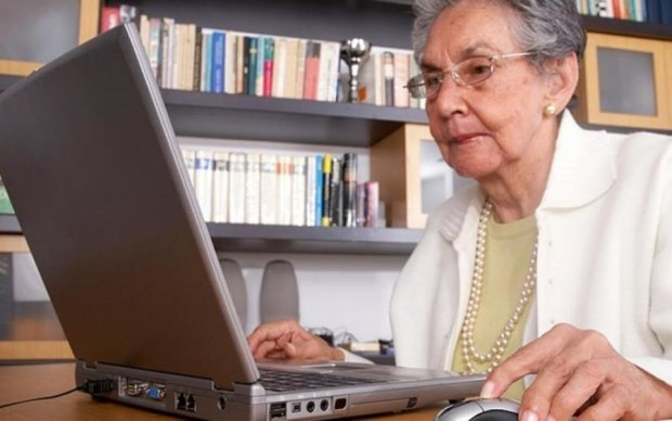 """На пенсії життя не закінчується: як освоїти """"молодіжну"""" професію в 62 роки"""