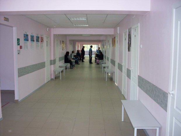 Харьковчанин повесился прямо в больнице: медицина не помогла