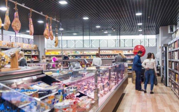 Таргани за ціною риби: київський супермаркет нарвався на війну з покупцями