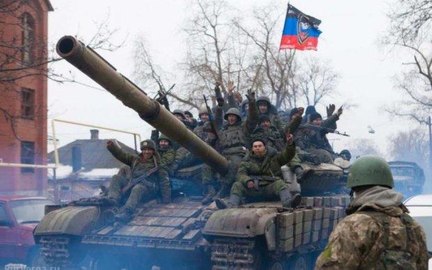 Бунт на Донбасі: у Донецьку підірвали військові об'єкти
