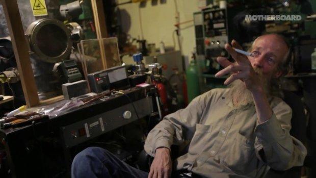 Чоловік вирішив стати відлюдником і побудував у своєму підвалі ядерний реактор