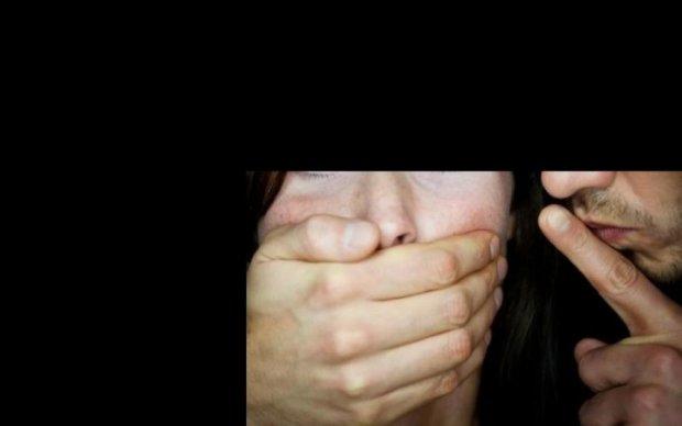 ДНРівець зґвалтував школярку