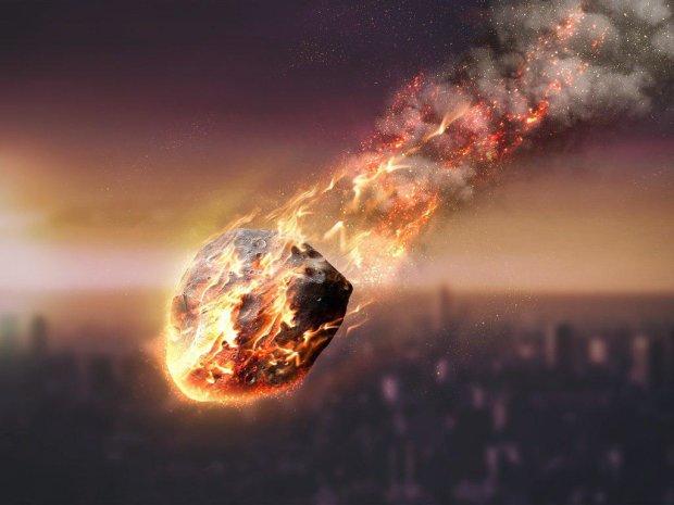 Огромный метеорит на бешеной скорости рухнул в столице: видео