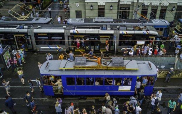 В Києві закриють трамвайні маршрути