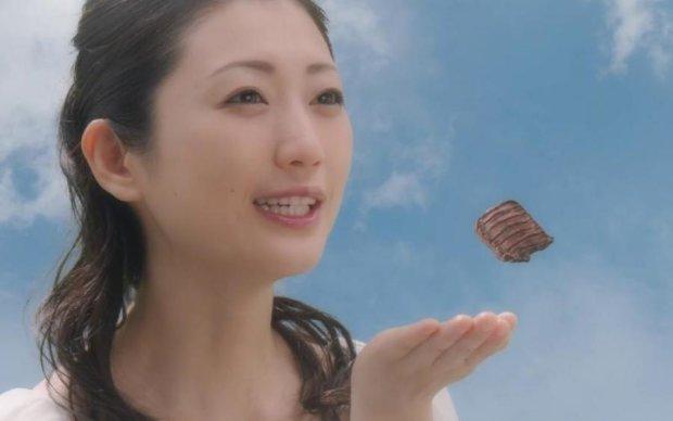 Японців збентежила акторка дорослих фільмів у рекламі