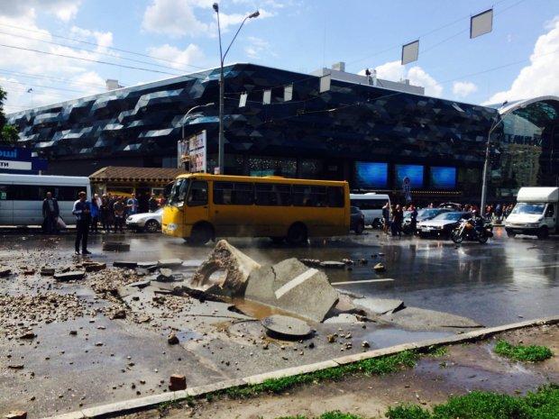 Рознесе пів-Києва: місту загрожує техногенна смерть, у Кличка мляво виправдовуються