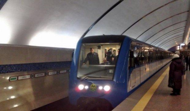 Столичные власти начали готовить киевлян к удорожанию метро - эксперт