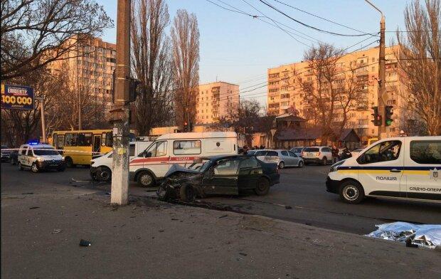Известный украинский певец разбился в ДТП: фото с места трагедии