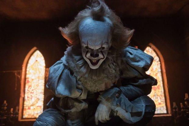 """Трейлер """"Оно-2"""": клоун-убийца Пеннивайз возвращается на большой экран"""