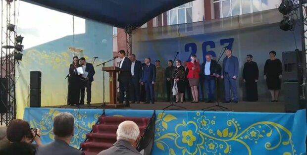 Мэр не смог связать двух слов на украинском языке: Азаров 2.0