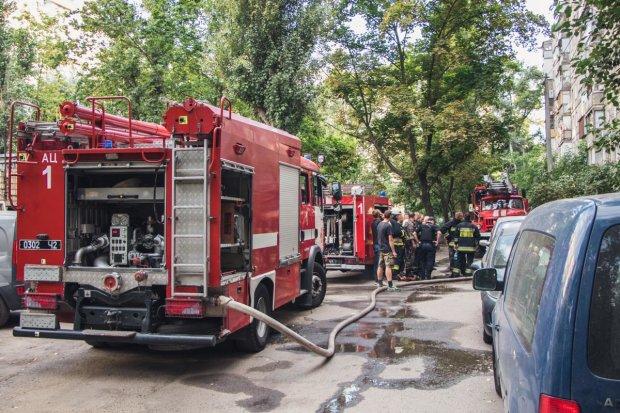 В Харькове вспыхнули балконы, адское пламя пожирало метр за метром: детали переполоха