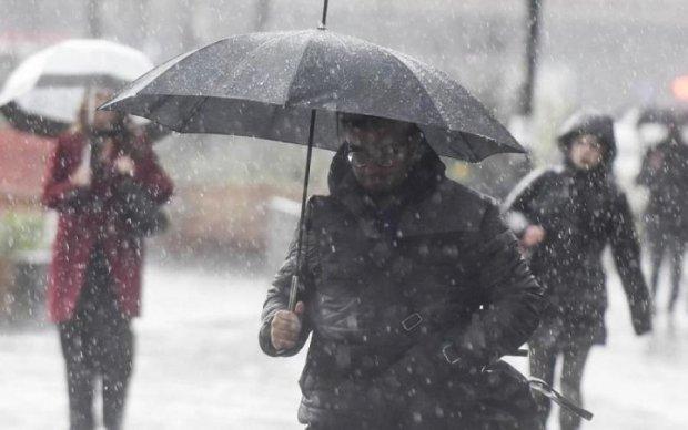 Погода приготовила украинцам снег, дождь и ясное солнышко