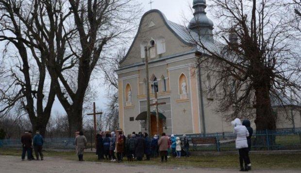 На Тернопільщині студенти пограбували церкву