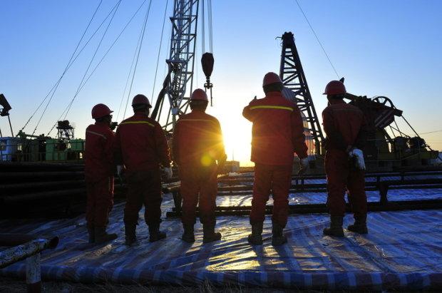 видобуток нафти