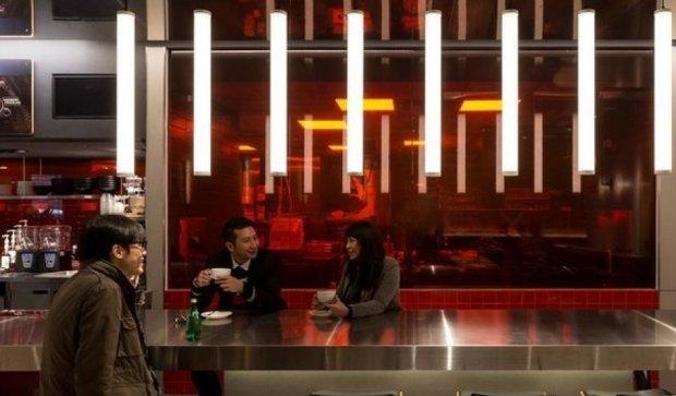 Гонконгский McDonald's превратился в настоящий ресторан (фото)