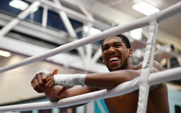 Джошуа хочет боксировать еще 10 лет