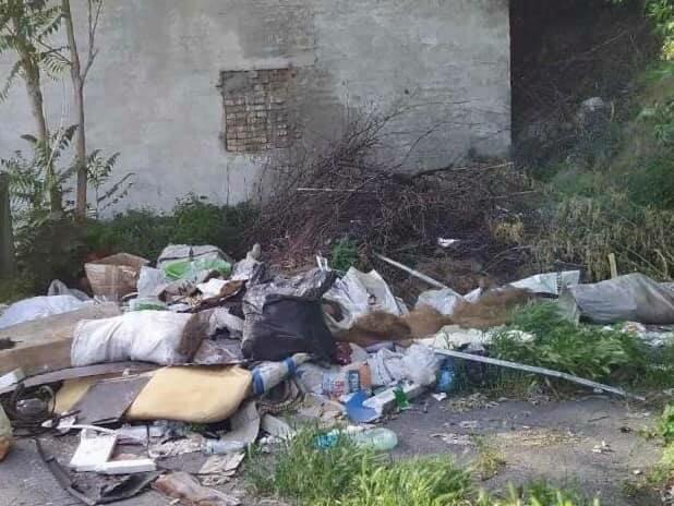 Днепр утопает в мусоре — тысячи тонн отходов поглотили город, коммунальщики не справляются