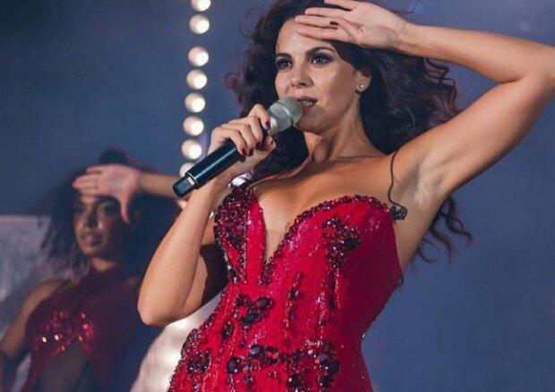 """Настя Каменських вдарила свою танцівницю перед натовпом глядачів: """"Що ти лізеш під руку"""""""