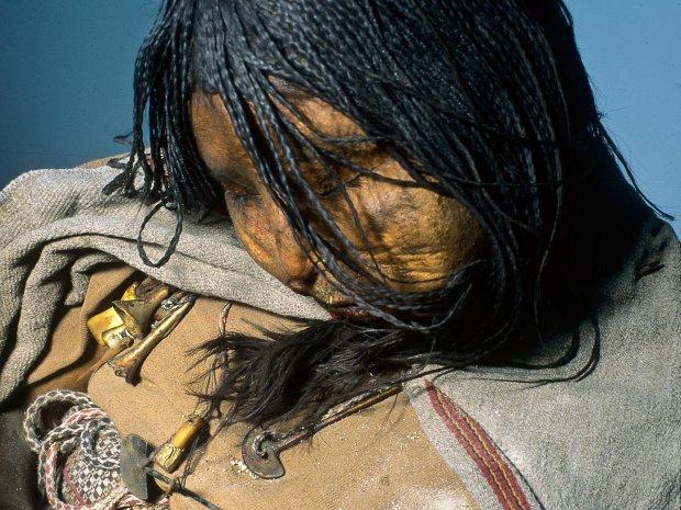 Погребенная во льдах: исследователи рассказали, что сделали древние инки с девочкой, прежде чем принести в жертву