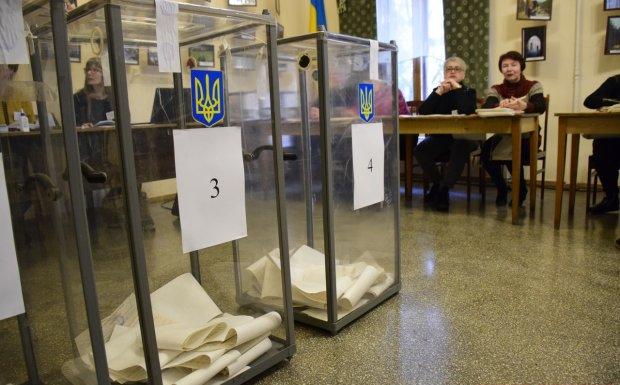Замглавы избиркома повесилась перед выборами: предсмертная записка шокировала украинцев
