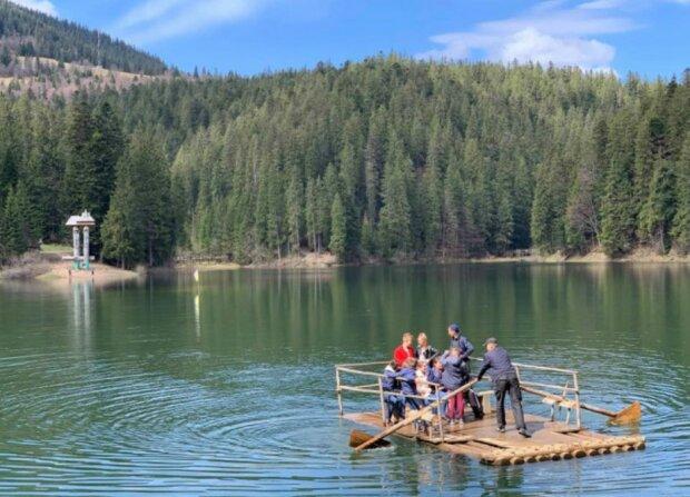 Озеро Синевир, фото из свободных источников