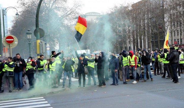 """Протести """"жовтих жилетів"""" спіткала трагічна смерть: іще одна країна залита кров'ю"""